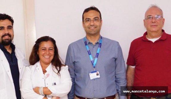 Çenesi kırılan turiste ALKÜ'den ameliyat desteği