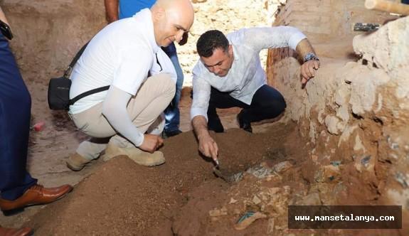 Alanya'da, Selçuklu dönemine ait eşsiz çini eser bulundu