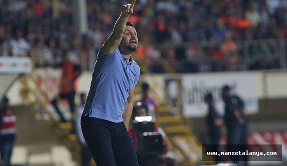 Erol Bulut: Fenerbahçe savunmasının sıkıntılarını görmüştük