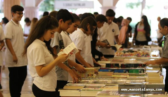 Kitap kurtları Kültür merkezinde!