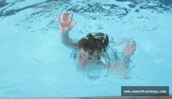 Okurcalardaki 5 yıldızlı otelin havuzunda turist çocuk boğuldu!