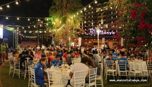 Diva Alanya'da kapanış yemeği