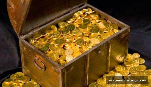 Alanya açıklarında Osmanlı batığından altın paralar ve mücevher çıktı