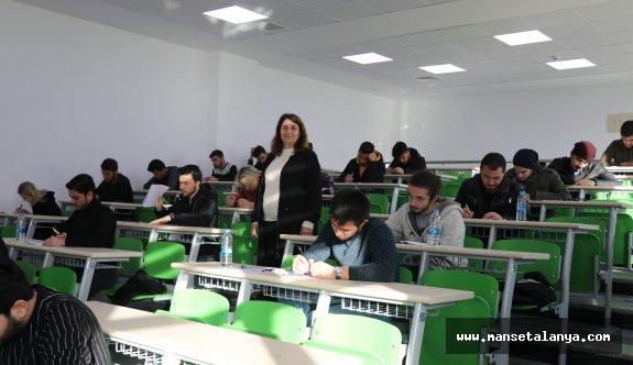 ALKÜ'de Yabancı Dil Yeterlilik Sınavı Yapıldı