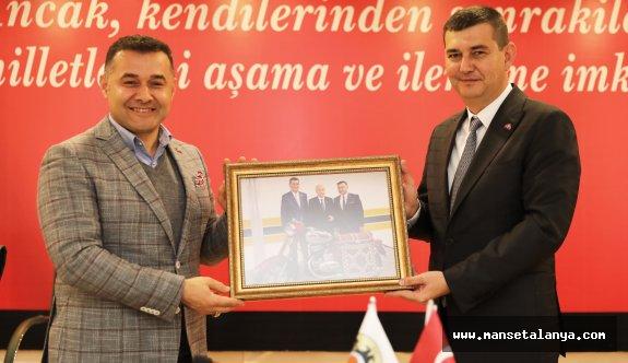 MHP Alanya belediyesine çıkartma yaptı!