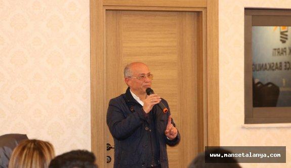 Sipahioğlu, siyasi tecrübelerini Ak Partililerle paylaştı