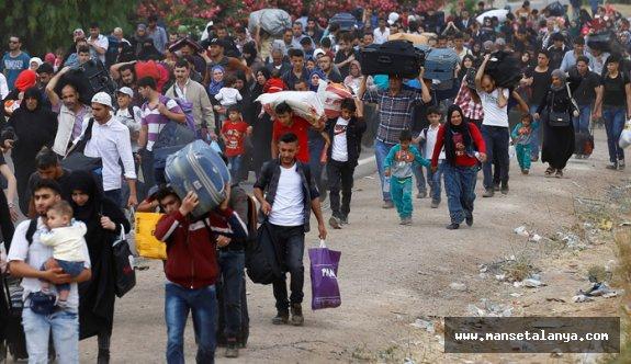 Soylu: Salgın nedeniyle Yunanistan sınırındaki mültecileri geri gönderme merkezlerine aldık
