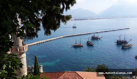 Alanya'daki gezi teknelerin denize açılacağı tarih belli oldu!