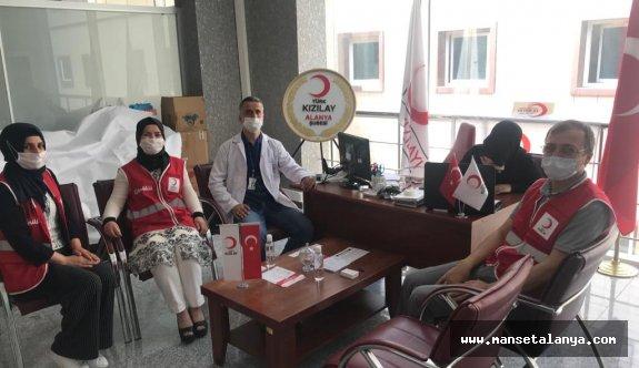 Kızılaydan hastane personeline destek