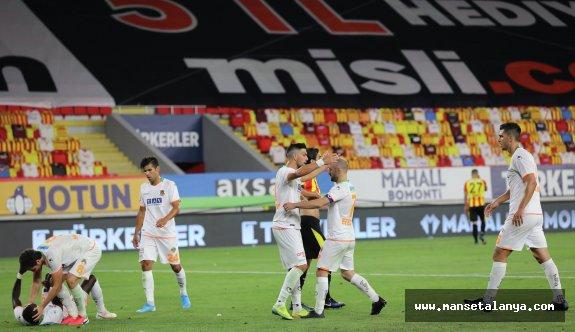 İzmir'deki gol düellosunda kazanan çıkmadı!