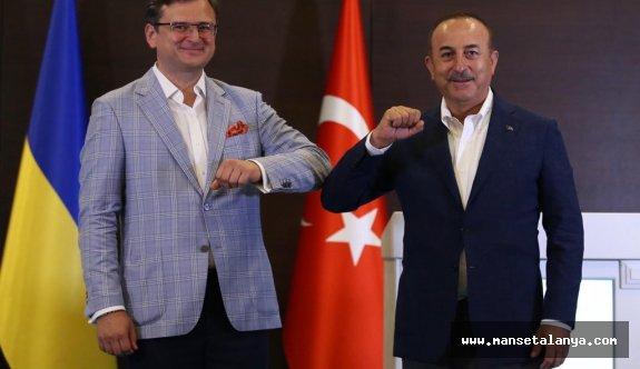 Türk ve Ukrayna Dışışleri bakanları Antalyada buluştu!
