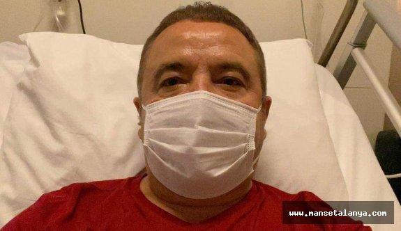 Hastamız solunum cihazına bağlı olarak yoğun bir şekilde tedavi edilmektedir'
