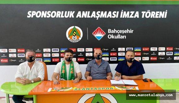 Stadyum sponsoru bu sezon da Bahçeşehir Koleji!
