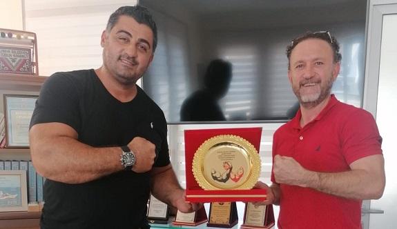 Dünya bilek güreş şampiyonunu ağırladı