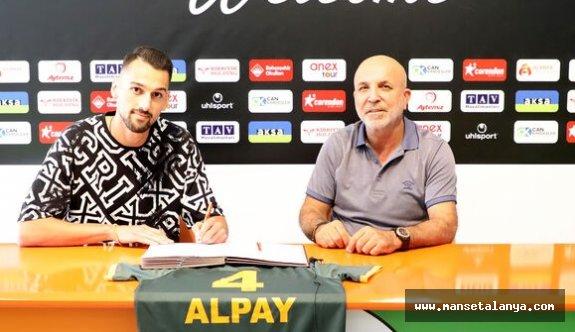Hasan Çavuşoğlu'dan yabancı futbolcu vurgusu!