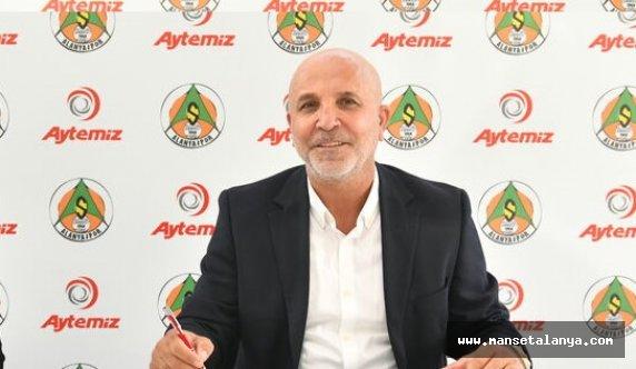 Hasan Çavuşoğlu FANATİK'e konuştu: Biz transferde araya menajer sokmuyoruz