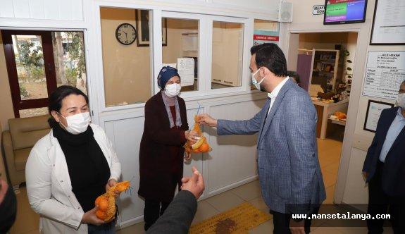 Ak Partili Toklu'dan sağlık çalışanlarına anlamlı ziyaret!