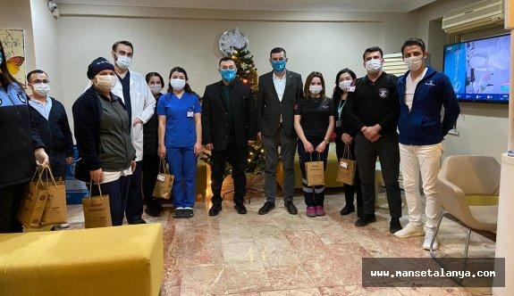 Başkan Yücel sağlık çalışanlarını ziyaret etti!