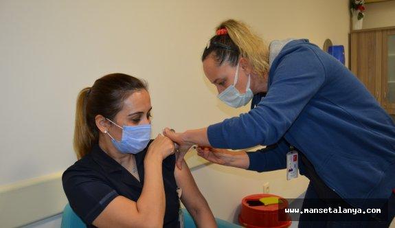 İşte Alanya'da aşılan sağlık çalışan sayısı