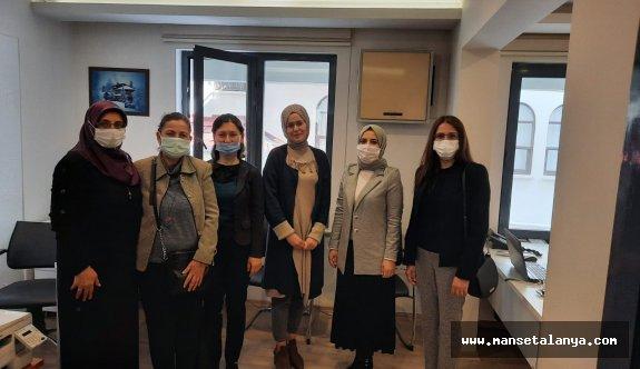 Ak Kadınlardan kadın muhasebecilere ziyaret