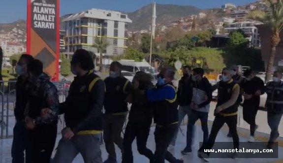 Alanya'da 10 yabancı hayat kadını kurtarıldı