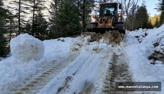 Gündoğmuş Köprülü yayla yolu kardan temizlendi!