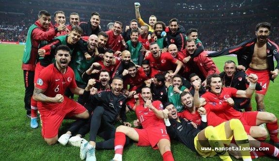 Türkiye-Azerbaycan milli maç Alanya'da oynanacak!