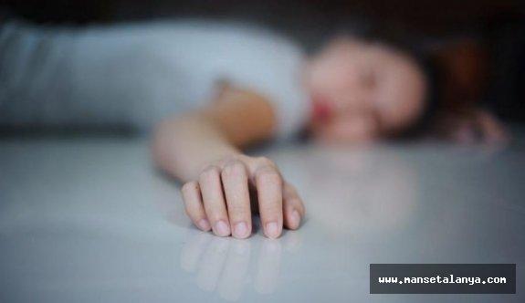 Alanya'da kadın evinde ölü bulundu