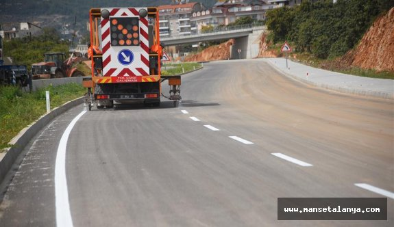 Portakal caddesi yol çizgileri ile daha güvenli