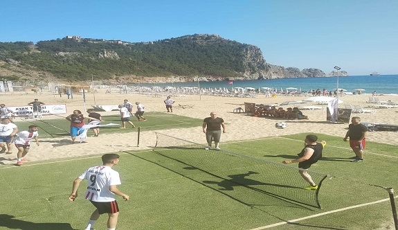 Alanya Ayak tenis plaj turnuvası başladı