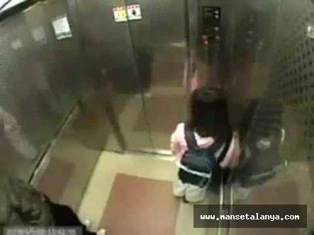 Mahmutlarda engelli kıza Iraklı tarafından asansörde taciz edildi