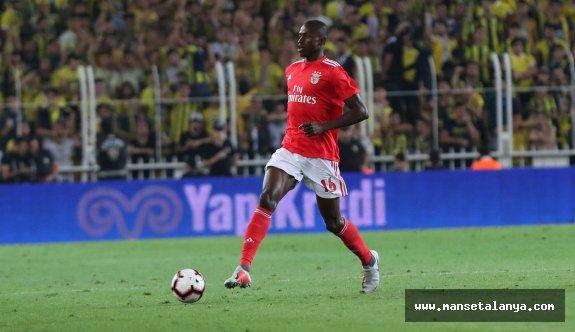 Alanyaspor'a Benfica'dan orta saha geliyor