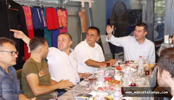 MHP esnafla istişare yaptı!