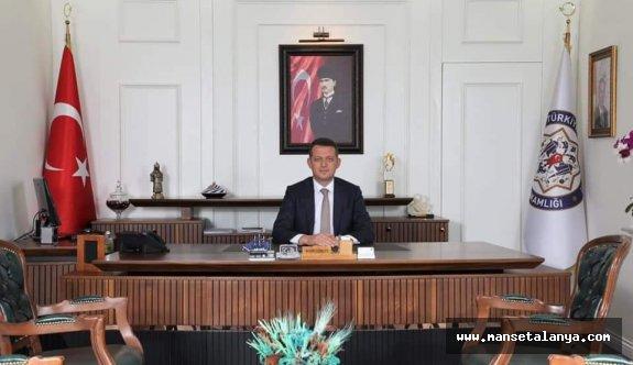 Kaymakam Dr Ürkmezer'den bayrak açıklaması