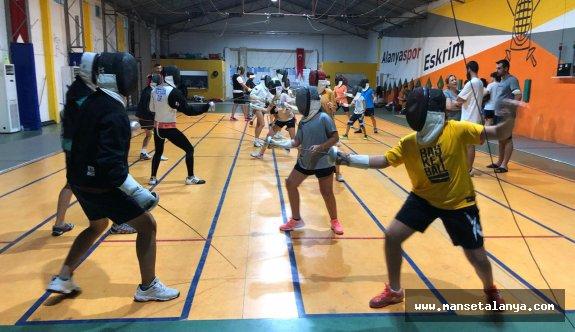 Yardımcı Antrenör Uygulama Eğitimi Alanya'da başladı
