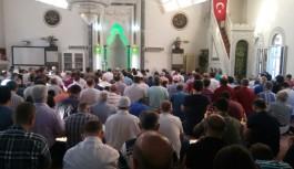 Alanya da Bayram namazında camiler doldu taştı