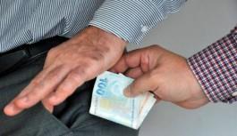 Alanya'da polise rüşvet vermek isteyen...!