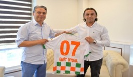 Alanyaspor'dan Gazipaşa doğumlu başkana forma