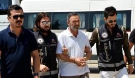 Antalya'nın eski rektörü Adliye'ye sevk edildi