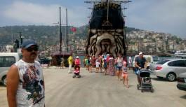 Big kral günde 600 turisti Alanya esnafıyla buluşturuyor