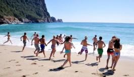 Alanyalı turizmciler, hükümetin bir an önce...!