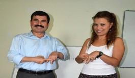 Sağlık çalışanlarına işaret dili eğitim
