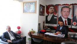 CHP'li Takavut, AKP'yi ziyaret etti