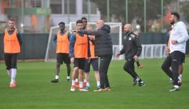 Fenerbahçeye bileniyoruz
