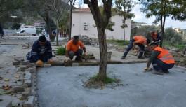 Öğrenciler toz ve çamurdan kurtuluyor