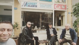 Siyaset duayenleri Manşet Alanya'da