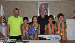 Alanyaspor, şampiyon badmintoncuları ağırladı