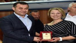 Başkan Yücel, zeybek kursiyerlerine sertifika verdi