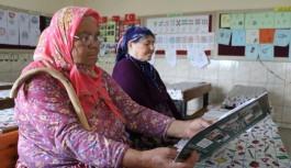 Gazipaşa'da iki nine, 3 ayda okuma yazma öğrendi