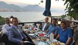 İYİ'ler Türk Ocağı'nın İftarında